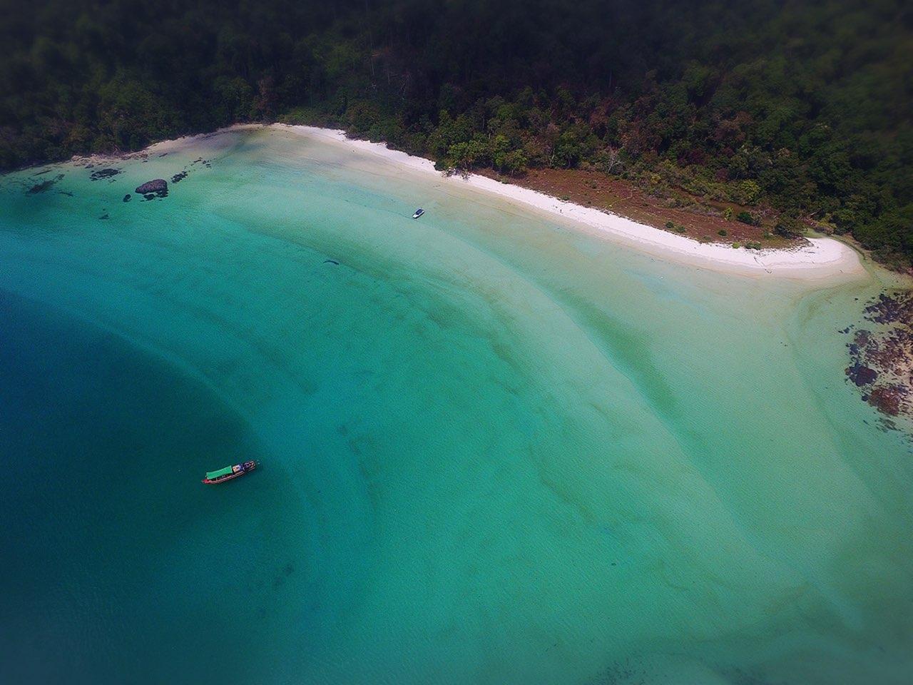 Rondreis Myanmar zee