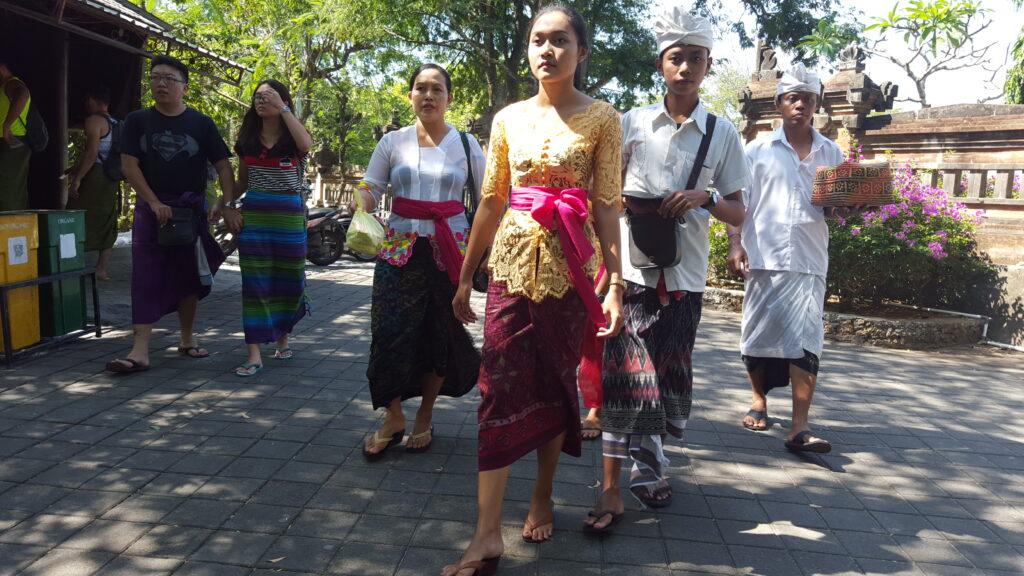 Bali tempel offeren
